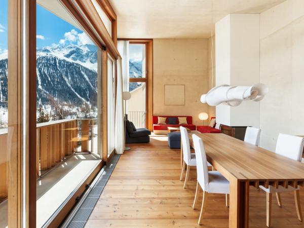 Arredamento moderno casa di montagna